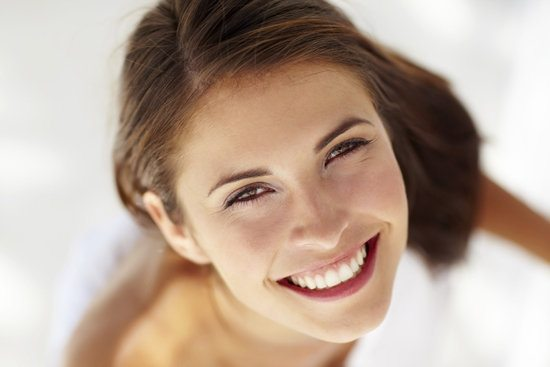 mujer feliz autoestima